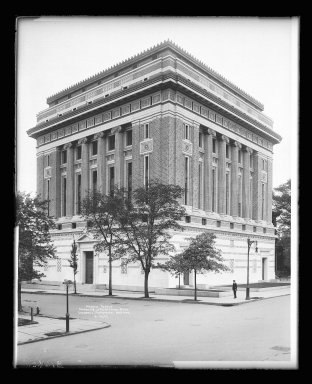 Irving Underhill (American, 1872-1960). Masonic Temple, Clermont and Lafayette Avenue, Brooklyn, ca. 1896-1950. Gelatin silver glass dry plate negative Brooklyn Museum, Brooklyn Museum/Brooklyn Public Library, Brooklyn Collection, 1996.164.8-B16622. © Estate of Irving Underhill