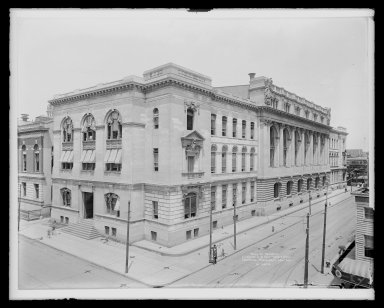 Irving Underhill (American, 1872-1960). Hall of Records, Livingston Street and Court Square, Brooklyn, ca. 1896-1950. Gelatin silver glass dry plate negative Brooklyn Museum, Brooklyn Museum/Brooklyn Public Library, Brooklyn Collection, 1996.164.8-B16624. © Estate of Irving Underhill