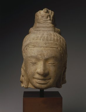 Head of a Male Divinity, Prei Khmeng Style, 540-600 C.E. Gray sandstone, 10 x 5 3/4 x 6 1/2 in. Brooklyn Museum, Gift of Georgia and Michael de Havenon, 1996.210.3. Creative Commons-BY