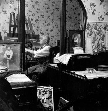 Vivian Cherry (American, born 1920). Israel Litwak (1868-1952, Brooklyn), ca. 1940. Gelatin silver photograph (vintage), 14 1/4 x 13 7/8 in. (36.4 x 35.4 cm). Brooklyn Museum, Gift of Steven Schmidt, 1996.241.40. © Vivian Cherry