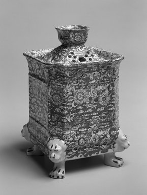 Mason. Potpourri and Double Lid, ca. 1895. Ironstone, 8 1/2 x 5 1/2 in.  (21.6 x 14 cm). Brooklyn Museum, Gift of Mrs. William Liberman, 1996.85.8a-c. Creative Commons-BY
