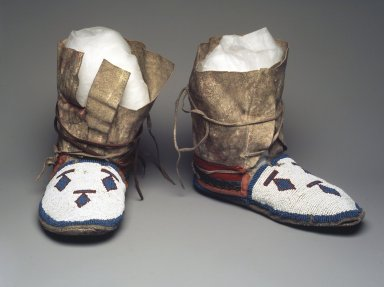 Plains (Northern) (Native American). Pair of Moccasins, 1900-1925. Hide, beads, wool, 7 3/4 x 10 x 4 in. (19.7 x 25.4 x 10.2 cm). Brooklyn Museum, Gift of Sasha Nyary and Family, 1997.105.2a-b. Creative Commons-BY