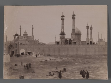 [Untitled], One of 274 Vintage Photographs, late 19th-early 20th century. Photograph, 6 1/8 x 8 11/16 in. (15.6 x 22 cm). Brooklyn Museum, Purchase gift of Leona Soudavar in memory of Ahmad Soudavar, 1997.3.71