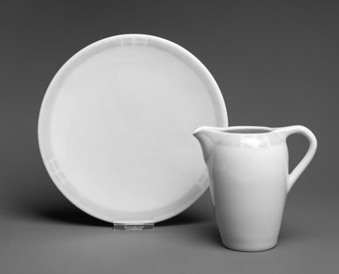 Rookwood Pottery Company (1880-1967). Plate, ca. 1912. Ceramic, 1 x 7 5/8 x 7 5/8 in. (2.5 x 9.5 x 9.5 cm). Brooklyn Museum, H. Randolph Lever Fund, 1998.21.3. Creative Commons-BY
