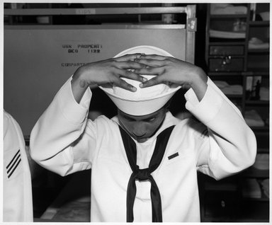 Ken Graves. Naval Training Center, Great Lakes, Ill., 1997. Gelatin silver photograph on fiber based paper, sheet: 16 x 19 3/4 in. (40.6 x 50.2 cm). Brooklyn Museum, Purchased with funds given by the Horace W. Goldsmith Foundation and Karen B. Cohen, 1998.67.2. © Ken Graves
