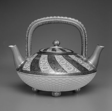 Worcester Royal Porcelain Co. (founded 1751). Teapot and Lid, 1878. Porcelain, 7 1/4 x 9 5/8 x 8 in. (18.4 x 24.4 x 20.3 cm). Brooklyn Museum, Gift of the Estate of Harold S. Keller, 1999.152.115a-b. Creative Commons-BY