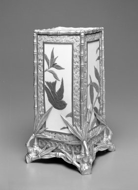 Worcester Royal Porcelain Co. (founded 1751). Vase, ca. 1880. Porcelain, 11 x 6 1/4 x 6 1/4 in. (27.9 x 15.9 x 15.9 cm). Brooklyn Museum, Gift of the Estate of Harold S. Keller, 1999.152.265. Creative Commons-BY