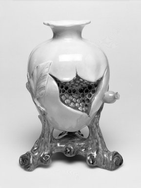 Worcester Royal Porcelain Co. (founded 1751). Vase, shape 319, ca. 1880. Porcelain, 7 3/4 x 5 7/8 x 5 in. (19.7 x 14.9 x 12.7 cm). Brooklyn Museum, Gift of the Estate of Harold S. Keller, 1999.152.275. Creative Commons-BY