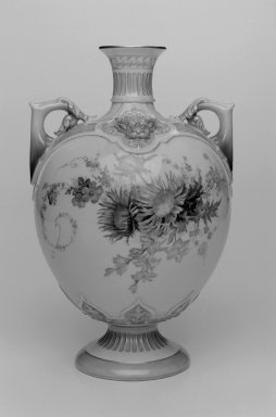 Brooklyn Museum: Vase, shape 1672