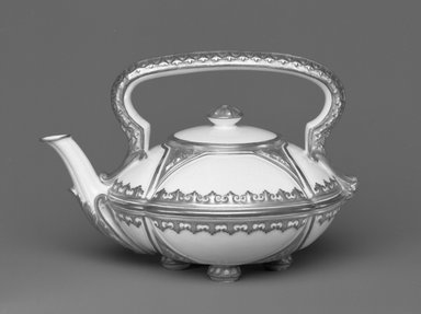 Worcester Royal Porcelain Co. (founded 1751). Teapot and Cover, 1880. Porcelain, 4 1/2 x 6 1/2 x 5 in. (11.4 x 16.5 x 12.7 cm). Brooklyn Museum, Gift of the Estate of Harold S. Keller, 1999.152.66a-b. Creative Commons-BY
