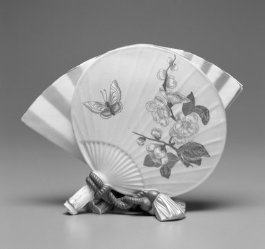 Worcester Royal Porcelain Co. (founded 1751). Vase, shape 696, 1883. Porcelain, 6 3/4 x 9 1/4 x 3 7/8 in. (17.1 x 23.5 x 9.8 cm). Brooklyn Museum, Gift of the Estate of Harold S. Keller, 1999.152.8. Creative Commons-BY