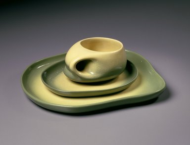 Tamac Pottery (in operation 1946-1973). Plate, mid-20th century. Glazed earthenware, plate:  1 x 10 1/2 x 9 in.  (2.5 x 26.7 x 22.9 cm);. Brooklyn Museum, Gift of Roy R. Eddey and Dr. Joel E. Hershey, 1999.23.2. Creative Commons-BY