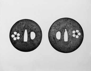 Sword Guard Pair (Daisho Tsuba), 17th century. Pierced iron (sukashi), a: diam. 2 3/4 in. (7.0 cm). Brooklyn Museum, Gift of Dr. and Mrs. Barry Brumberg, 1999.98.1-.2. Creative Commons-BY