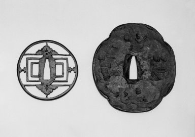 Sword Guard (Tsuba), 16th-early 17th century. Yamagane, diam. 3 1/16 (7.8 cm). Brooklyn Museum, Gift of Dr. and Mrs. Barry Brumberg, 1999.98.5. Creative Commons-BY
