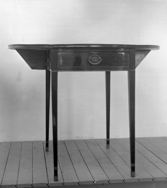 Table, Style of ca. 1790-1800. Mahogany with satinwood inlay, 28 1/2 x 30 1/2 x 18 3/4 in. (72.4 x 77.5 x 47.6 cm). Brooklyn Museum, Bequest of Samuel E. Haslett, 20.949. Creative Commons-BY