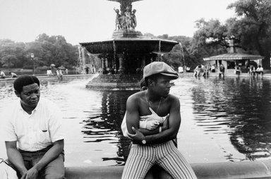 Joel Meyerowitz (American, born 1938). Bethesda Fountain, Central Park (Couple Embracing), 1968. Gelatin silver photograph, Sheet: 11 x 14 in. (27.9 x 35.6 cm). Brooklyn Museum, Gift of Julian and Elaine Hyman, 2000.132.11. © Joel Meyerowitz
