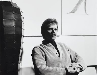 Arthur Mones (American, 1919-1998). Loren Madsen, 1988. Gelatin silver photograph, image:  10 1/2 x 13 1/2 in.  (26.7 x 34.3 cm);. Brooklyn Museum, Gift of Wayne and Stephanie Mones at the request of their father, Arthur Mones, 2000.89.81. © Estate of Arthur Mones