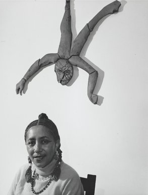 Arthur Mones (American, 1919-1998). Camille Billops, 1989. Gelatin silver photograph, image:  13 1/2 x 10 1/2 in.  (34.3 x 26.7 cm);. Brooklyn Museum, Gift of Wayne and Stephanie Mones at the request of their father, Arthur Mones, 2000.89.85. © Estate of Arthur Mones