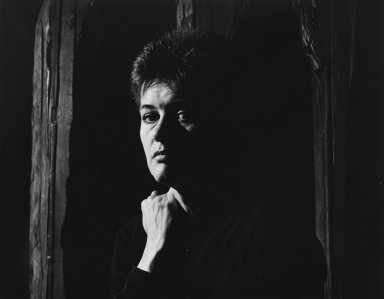 Arthur Mones (American, 1919-1998). Ursula von Rydingsvard. Gelatin silver photograph, 10 1/2 x 13 3/8 in. Brooklyn Museum, Gift of Wayne and Stephanie Mones at the request of their father, Arthur Mones, 2001.76.3. © Estate of Arthur Mones