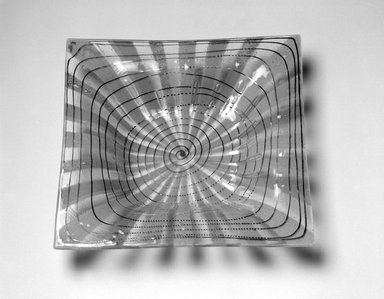 Michael Higgins (American, born England, 1908-1999). Bowl, ca. 1955. Glass, 1 5/8 x 10 x 9 15/16 in. (4.1 x 25.4 x 25.2 cm). Brooklyn Museum, H. Randolph Lever Fund, 2002.104.2. Creative Commons-BY