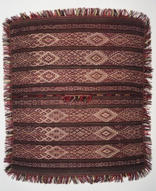 Esteban Huaman (born 1940). Man's Poncho, ca. 1965. Alpaca fleece, sheep wool, natural and synthetic dyes, incl. fringe: 66 x 49 1/2 in. (167.6 x 125.7 cm). Brooklyn Museum, Frank Sherman Benson Fund, 2002.62.6. Creative Commons-BY