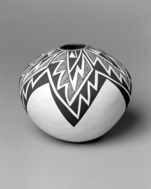Lucy Martin Lewis (Haak'u (Acoma Pueblo), Native American, 1897(?)-1992). Bowl, 1985. Clay, slip, 7 1/2 x 8 1/2 x 8 1/2 in. (19.1 x 21.6 x 21.6 cm). Brooklyn Museum, Gift of Richard J. Elefante, 2002.64.2. Creative Commons-BY