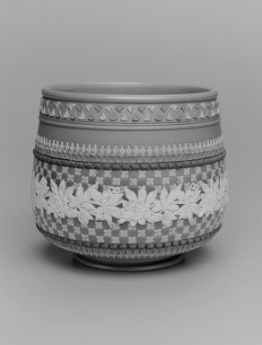 Doulton Pottery (1815-present). Jardinere, ca. 1885. Glazed stoneware, H: 6 1/2; diam: 8 in. (16.5 x 20.3 cm). Brooklyn Museum, Gift of Rosemarie Haag Bletter and Martin Filler, 2003.33.4. Creative Commons-BY