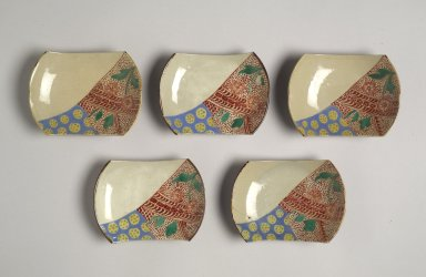 Set of Five Mukozuke, late 19th century. Porcelain with overglaze enamel decoration, 7/8 x 4 3/4 x 3 3/8 in. (2.3 x 12 x 8.5 cm). Brooklyn Museum, Gift of Dr. Alvin E. Friedman-Kien, 2004.112.28. Creative Commons-BY