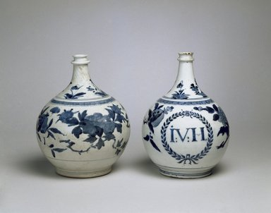 Bottle Vase, 1680-1700. Arita ware, porcelain with underglaze blue, height: 10 in. (25.4 cm). Brooklyn Museum, The Peggy N. and Roger G. Gerry Collection, 2004.28.286. Creative Commons-BY