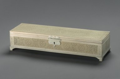 Box, mid-19th century. Ivory, 2 5/8 x 12 1/2 x 3 11/16 in. (6.7 x 31.8 x 9.4 cm). Brooklyn Museum, Gift of Subhash Kapoor, 2004.5. Creative Commons-BY