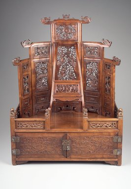 Mirror Cabinet and Cosmetic Chest, late 17th-early 18th century. Rosewood (Huang hua li), metal, 29 11/16 x 22 1/8 x 13 13/16 in. (75.4 x 56.2 x 35.1 cm). Brooklyn Museum, Purchase gift of the Charles Bloom Foundation, Inc. in memory of Mildred and Charles Bloom