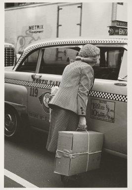 Helen Levitt (American, 1913-2009). New York, ca. 1982. Gelatin silver photograph, 13 3/4 x 9 3/8 in. (34.9 x 23.8 cm). Brooklyn Museum, Gift of Joan Liftin, 2007.45. © Helen Levitt