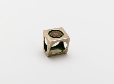 Brooklyn Museum: Circles in Cube Ring