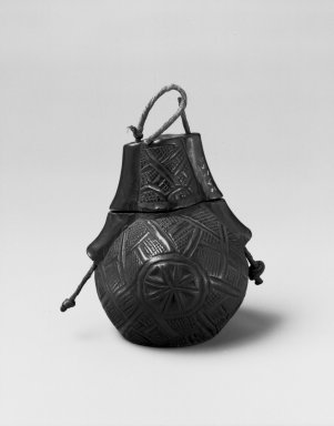 Kunyi Kongo. Powder Box (Tutukipfula), late 19th or early 20th century. Wood, fiber, 4 3/8 x 4 1/2 x 3 1/2 in. (11.1 x 11.4 x 8.9 cm). Brooklyn Museum, Museum Expedition 1922, Robert B. Woodward Memorial Fund, 22.136a-b. Creative Commons-BY