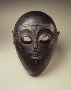 Ngbaka. Mask, 19th century. Wood, 13 x 9 7/8 x 5 3/4 in.  (33 x 25.1 x 14.6 cm). Brooklyn Museum, Museum Expedition 1922, Robert B. Woodward Memorial Fund, 22.1585. Creative Commons-BY