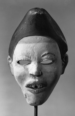Kongo (Yombe subgroup). Mask (Nganga Diphombe), 19th century. Wood, pigment, 10 7/8 x 7 3/4 x 5 1/2 in. (27.6 x 19.7 x 14 cm). Brooklyn Museum, Museum Expedition 1922, Robert B. Woodward Memorial Fund, 22.224. Creative Commons-BY