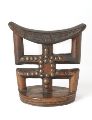 Banfumu. Headrest, late 19th or early 20th century. Wood, copper alloy, 5 1/2 x 5 1/4 in. (14 x 13.3 cm). Brooklyn Museum, Museum Expedition 1922, Robert B. Woodward Memorial Fund, 22.811. Creative Commons-BY
