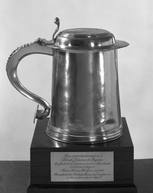 Nicholas Roosevelt (American, 1715-1769). Tankard, Tankard: 1735-1769; Medallion: ca. 1639. Silver, 5 1/2 x 3 3/4 in. (14 x 9.5 cm). Brooklyn Museum, Gift of Tunis Johnson, 26.616. Creative Commons-BY