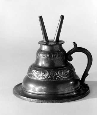 Capen and Molineux. Lamp, 1848-1854. Pewter, Overall: 4 x 4 x 4 in. (10.2 x 10.2 x 10.2 cm). Brooklyn Museum, Gift of Mrs. Samuel Doughty, 27.574. Creative Commons-BY