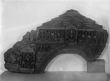 Large Makara Torana, 12th century. Sculpture, 19 11/16 x 28 9/16 in. (50 x 72.5 cm). Brooklyn Museum, Gift of Frederic B. Pratt, 27.71. Creative Commons-BY