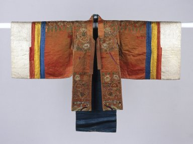 Bride's Robe (Hwalot), 19th century. Embroidered silk panels, gold thread, paper lining, 71 x 6 x 48 in. (180.3 x 15.2 x 121.9 cm). Brooklyn Museum, Brooklyn Museum Collection, 27.977.4. Creative Commons-BY