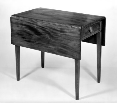 American. Table with Drop Leaves, ca. 1810-1830. Mahogany, 28 3/4 x 33 x 42 1/2 in. (73 x 83.8 x 108 cm). Brooklyn Museum, Bequest of Timothy Ingraham Hubbard, 29.238. Creative Commons-BY