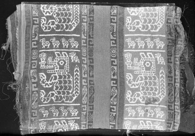 Wari. Textile Fragment, undetermined, 600-1000 C.E. Cotton, camelid fiber, 5 1/2 x 22 7/16 in. (14 x 57 cm). Brooklyn Museum, Gift of George D. Pratt, 30.1194. Creative Commons-BY