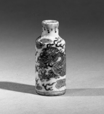 Snuff Bottle with Slender Cylindrical Body, 1662-1722. Porcelain, blue underglaze, 1 15/16 x 13/16 in. (5 x 2 cm). Brooklyn Museum, Gift of the executors of the Estate of Colonel Michael Friedsam, 32.1001. Creative Commons-BY