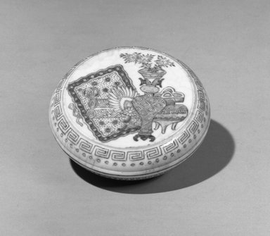 Seal Ink Box with Low Foot, 19th-20th century. Porcelain, blue underglaze, 1 1/8 x 2 11/16 in. (2.8 x 6.8 cm). Brooklyn Museum, Gift of the executors of the Estate of Colonel Michael Friedsam, 32.1004a-b. Creative Commons-BY