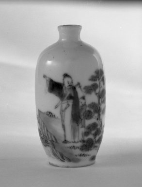 Miniature Vase with Low Foot, 1736-1795. Porcelain, blue underglaze, 3 1/8 x 1 11/16 in. (8 x 4.3 cm). Brooklyn Museum, Gift of the executors of the Estate of Colonel Michael Friedsam, 32.1017. Creative Commons-BY