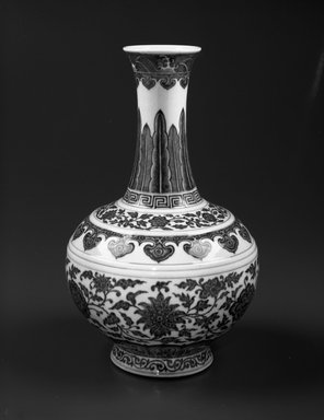 Shang Vase, 1736-1795. Porcelain with cobalt underglaze decoration, 14 5/16 x 8 7/8 in. (36.3 x 22.5 cm). Brooklyn Museum, Gift of the executors of the Estate of Colonel Michael Friedsam, 32.1032.1. Creative Commons-BY