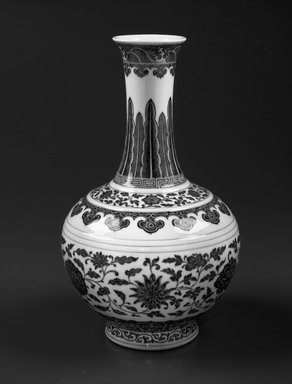 Shang Vase, 1736-1795. Porcelain with cobalt underglaze decoration, 14 1/4 x 8 7/8 in. (36.2 x 22.5 cm). Brooklyn Museum, Gift of the executors of the Estate of Colonel Michael Friedsam, 32.1032.2. Creative Commons-BY