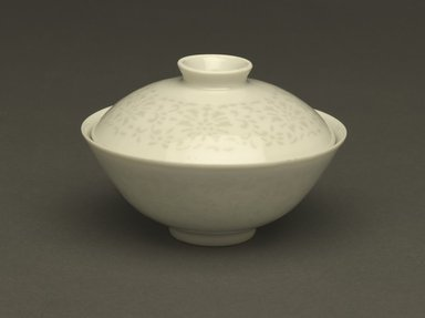 "Bowl and Cover, 1736-1795. ""Linglong"" exquisite porcelain with translucent white glaze, 3 x 4 5/16 in. (7.6 x 11 cm). Brooklyn Museum, Gift of the executors of the Estate of Colonel Michael Friedsam, 32.1178a-b. Creative Commons-BY"