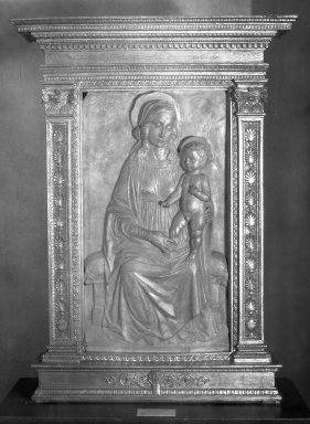 Domenico Rosseli. Madonna and Child. Terracotta, 34 1/2 x 25 3/4 in. (87.6 x 65.4 cm). Brooklyn Museum, Lydia Richardson Babbott Fund, 32.1599. Creative Commons-BY